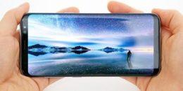 Bằng Galaxy S8, Samsung đang khiến cả thế giới smartphone phải chạy theo xu hướng