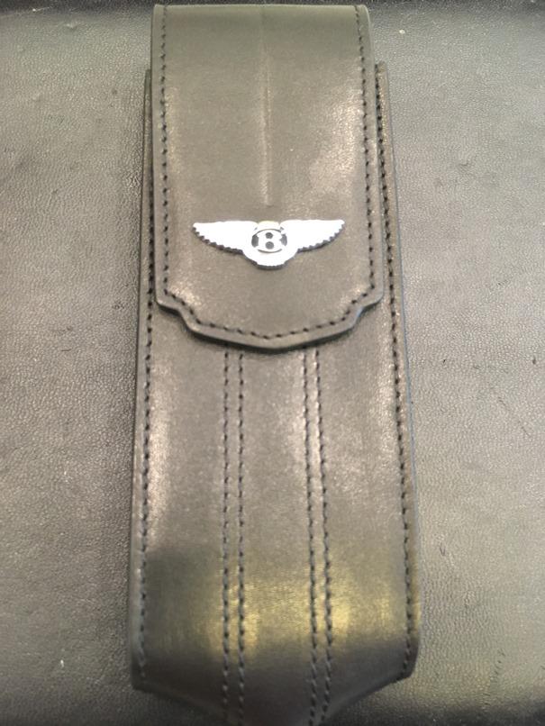 Bao da Vertu Signature S logo Bentley